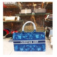 Blue Trendy Leave Tote Bag